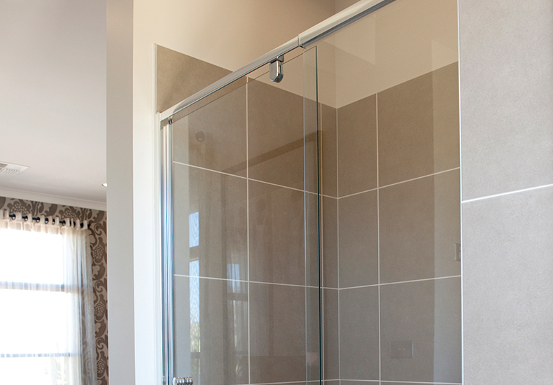 Milan semi-framed showerscreens